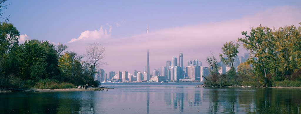 Austin_Lee_Photo_Toronto_Skyline_Clouded_Cropped